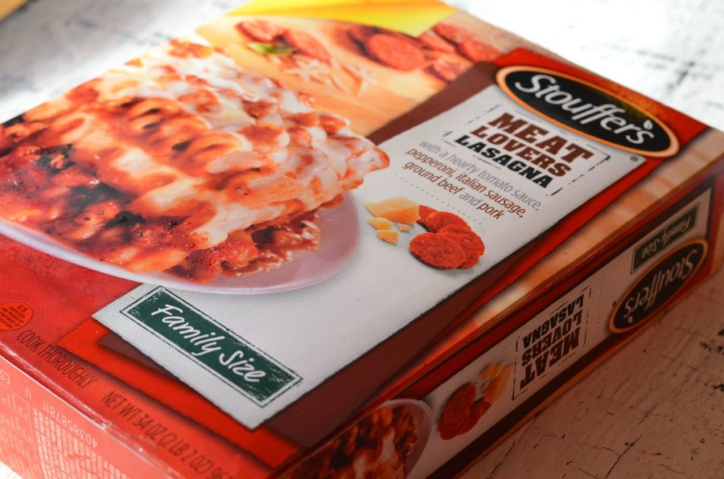 Stouffer's Meat Lover's Lasagna with New York Texas Toast for Spring Dinner #NewFavorites #CollectiveBias #shop via MooshuJenne.com